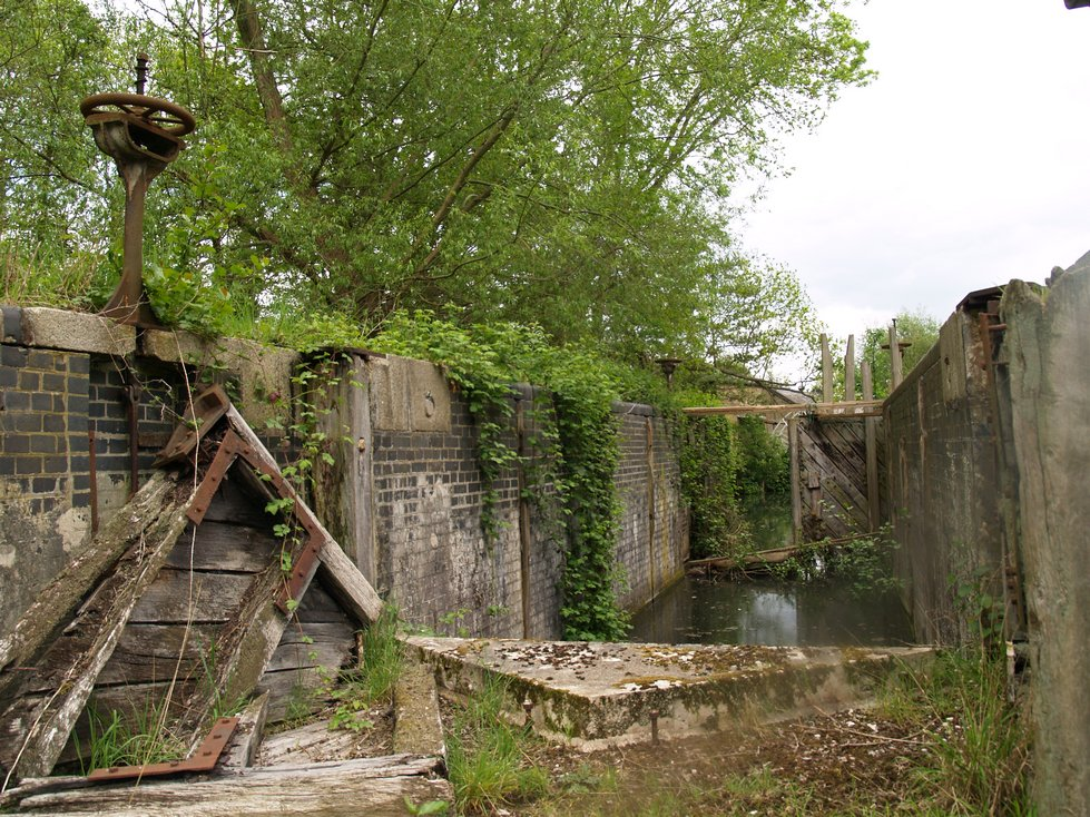 London's Lost Canals. Decaying lock at Waltham Abbey Gunpowder Mills