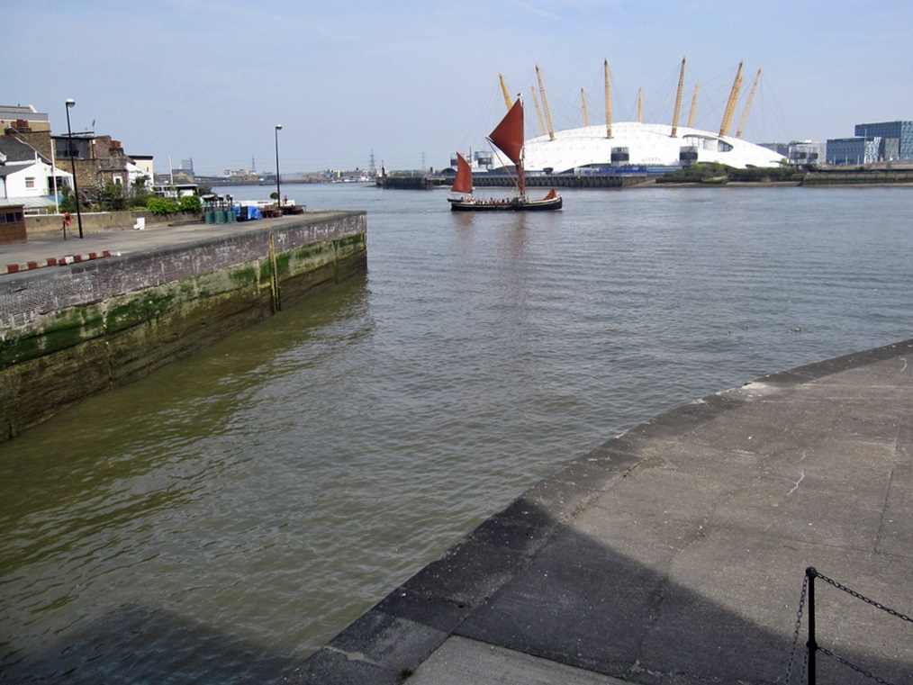 The Eastern Lock entrance at Blackwall Reach. This lock is the only working entrance from the Thames once into the City Canal and now into the Docks at the Isle of Dogs.