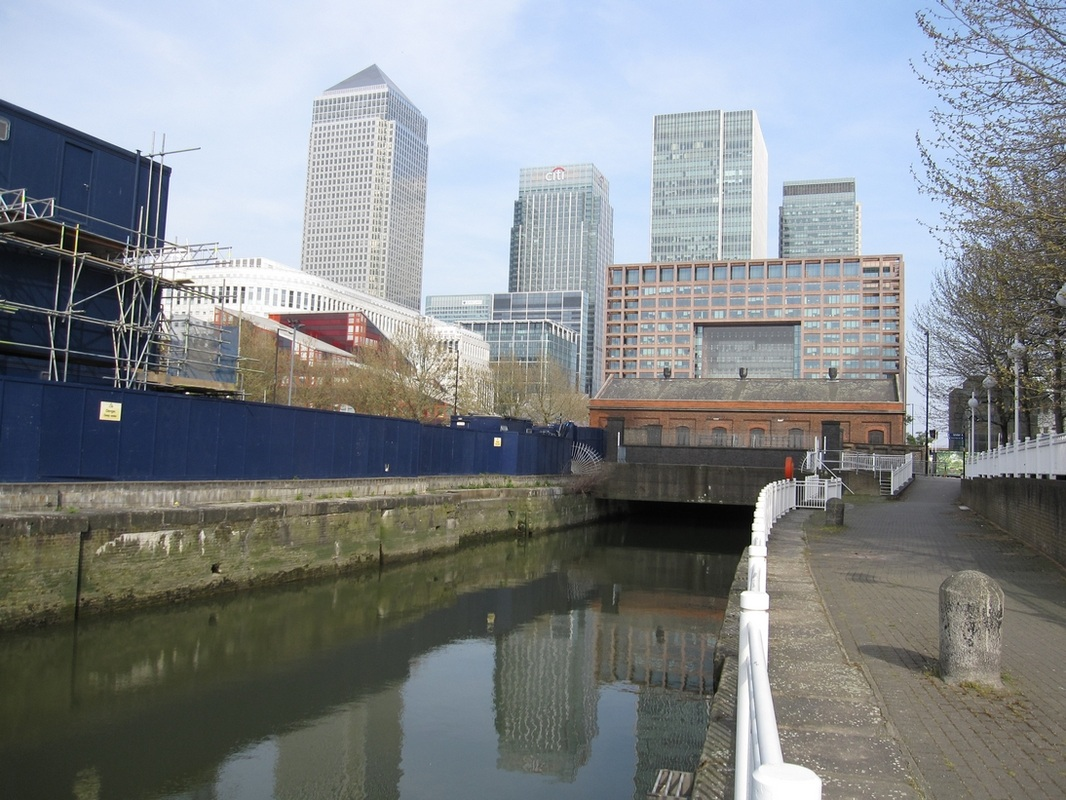 The Western entrance (Limehouse Lock) of the City Canal showing walls and lock recesses, now serves as the Impounding Dock.