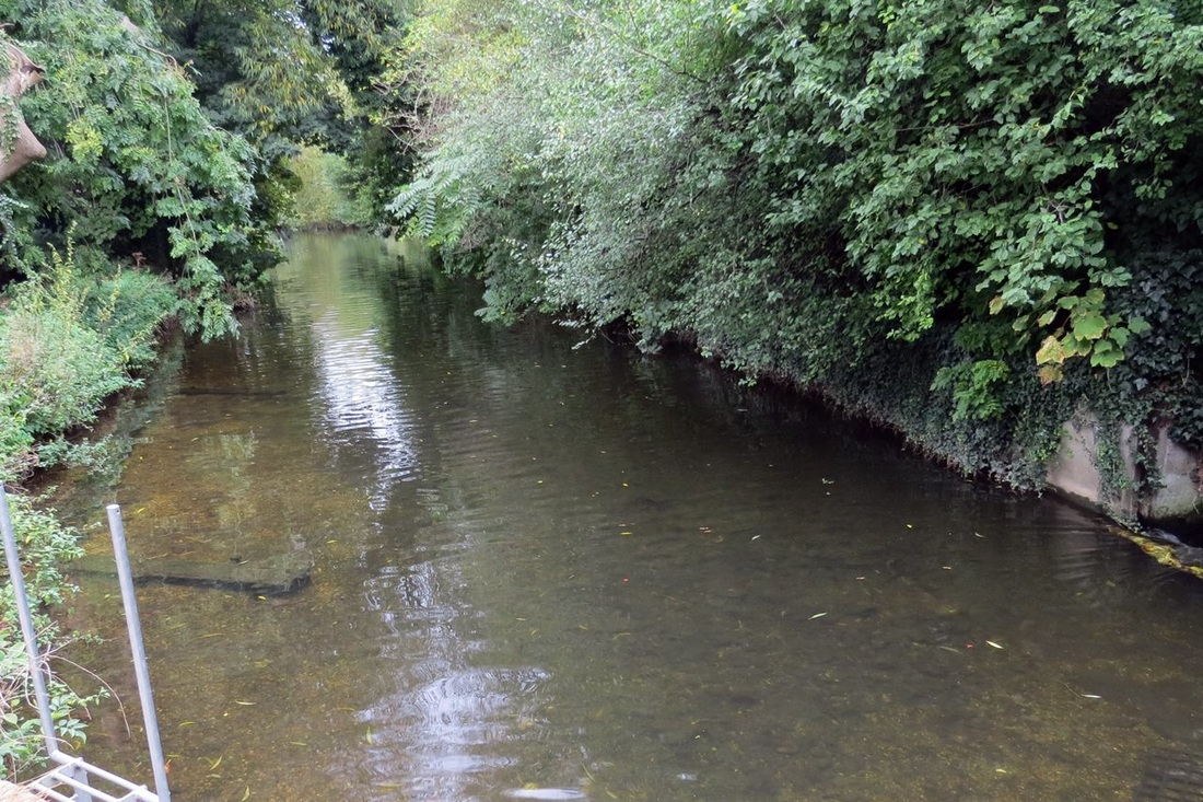 River Lea in Wheathampstead, SE of Harpenden, Herts once used by the mills of the area