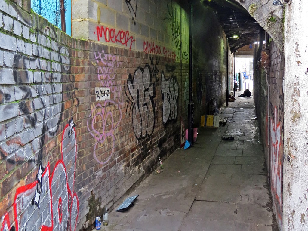 Grotty run down alleyway on Whitechapel walking tour with Paul Talling